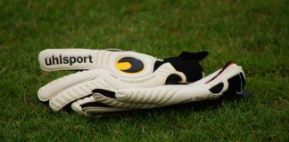 best goalkeeper gloves soccer