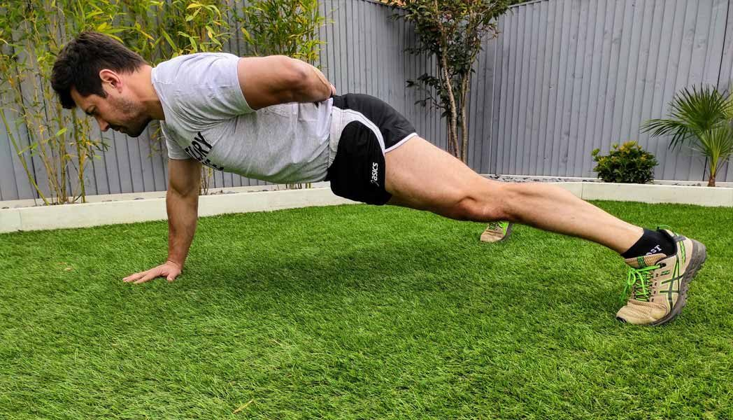 one armed push-ups